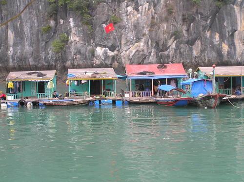 Hb_houseboats